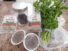 La Esquina Criolla: Sachet d'épices Bay Leaves, French Press, Coffee Maker, Kitchen Appliances, Spices And Herbs, Grains, Coffee Maker Machine, Diy Kitchen Appliances, Coffee Percolator