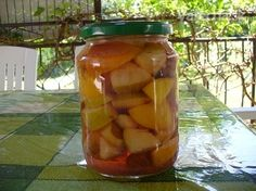 Zaváranie ovocia v soli - Recept Pickles, Cucumber, Ale, Homemade, Canning, Food, Home Canning, Eten, Pickle