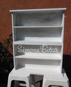http://recantodasborboletas-simoninha.blogspot.com.br/2013/06/transformando-2-gavetoes-em-prateleira.html