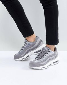 best service acb4c 87c18 Nike - Air Max 95 - Baskets en velours - Gris Chaussures Sneakers Femme,  Chaussures