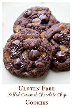 These Gluten Free Salted Caramel Chocolate Chip Cookies are SO good - no one wil. These Gluten Free Salted Caramel Chocolate Chip Cookies are SO good - no one will even know they are gluten free! This cookie recipe is simply amazing! Caramel Chocolate Chip Cookies, Gluten Free Chocolate Chip Cookies, Salted Caramel Chocolate, Chocolate Caramels, Gluten Free Cookies, Gluten Free Sweets, Gluten Free Baking, Gluten Free Recipes, Delicious Desserts