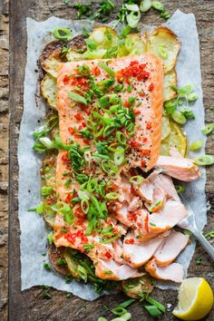 Best Chili Recipe, Fish Dishes, Salmon Recipes, Laksa, Main Meals, Love Food, Clean Eating, Dinner Recipes, Food And Drink