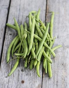 Directions for Canning Green Beans With a Presto Pressure Cooker Pressure Canning Green Beans, Preserving Green Beans, Canning Beans, Pressure Canning Recipes, Cooking Green Beans, Preserving Food, Canning Tips, Pressure Cooking, Nutrition Food List