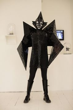 Gareth Pugh Spring 2007 Ready-to-Wear Collection