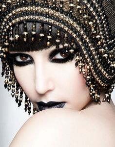 Goddess 20s Goth style of old hollywood