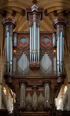 Exeter Cathedral pipe organ, case designed by John Loosemore