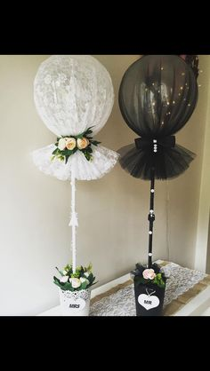 """Use of """"Tule Balloon"""" with tulle-wrapped balloons . - Crafts - Use of """"Tule Balloon"""" with balloons wrapped in tulle - Wedding Balloons, Butterfly Balloons, Bridal Shower Decorations, Wedding Centerpieces, Wedding Decorations, Tulle Decorations, Balloon Centerpieces, Wedding Scene, Dream Wedding"""