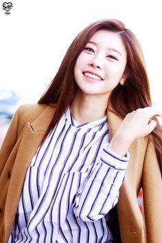 SOJIN looks like such a goddess here OMG