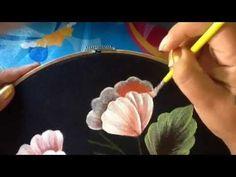 Pintura textil paso a paso Flor Amarilla, Textile painting, How to paint a flower - YouTube