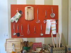 Last week I stopped into Pot + Pantry, Donna Suh Wageman's new kitchenwares shop in San Francisco's Mission District. Not only was the tiny space utterly charming, an appealing melange of the new and old, the modern and the trad, but Wageman herself was an obliging and able hostess. Best of all, the goods on display--I saw plenty I'd like to take home--are entirely affordable.