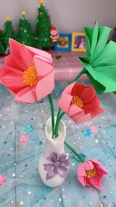 creative crafts let's do together!😘😘😍😍 manualidades Creative handicraft Paper Flowers Craft, Paper Crafts Origami, Paper Crafts For Kids, Flower Crafts, Paper Crafting, Paper Trees, Diy Paper, Tissue Paper, Diy Crafts Hacks