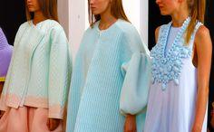 "Xiao Li with ""Untitled"", a collection of rubberized knitwear Knitwear Fashion, Knit Fashion, Fashion Art, High Fashion, Fashion Outfits, Womens Fashion, Xiao Li, Black Abaya, Chunky Knitwear"