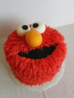 Would love to do an Elmo cake smash!! | Elmo cake perfect for a 1,2 and 3 birthday party kids will love it