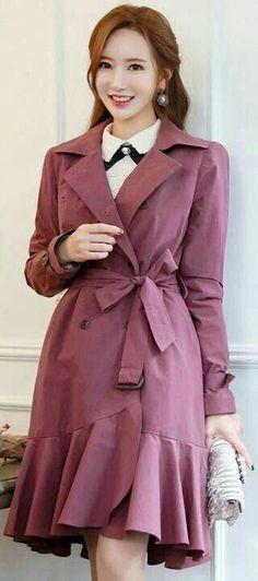 Rain coat Outfit Preppy - Rain coat For Women Outfits - Rain coat Aesthetic - - Raincoat Outfit, Mens Raincoat, Green Raincoat, Best Rain Jacket, North Face Rain Jacket, Raincoats For Women, Jackets For Women, Clothes For Women, Winter Coat Outfits