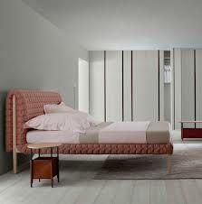 Das Schlafsofa Multy Von Ligne Roset Ist Für Den Dauereinsatz Als Bett Unschlagbar Zeitlose Legere Optik Hochwertige Verarbeitung Mit Durchgängi