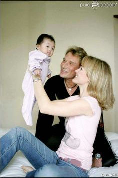 Johnny et Jade Johnny Halliday, Dan, Boss, Husband, Couples, Couple Photos, Celebrities, Adoption, Parents