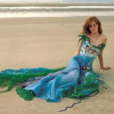 I really like this mermaid style dress