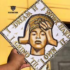 Come through with the Bey inspired graduation cap! Come through with the B Funny Graduation Caps, Graduation Cap Designs, Graduation Cap Decoration, Graduation Diy, Grad Cap, Jesus Christ Superstar, Beyonce, Graduation Photoshoot, Cap Decorations