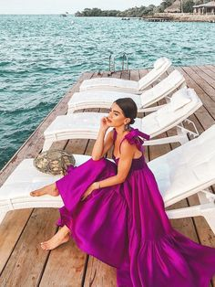 Turns Out the Best Beach Resorts Are Right Here in the U.S Are you looking for the perfect beach destination to take a much-deserved vacay? We rounded up the 10 best beach resorts in the U. Fall Dresses, Evening Dresses, Dresses For Work, Summer Dresses, Dresses Dresses, Casual Dresses, Elegant Woman, Satin Dresses, Gowns