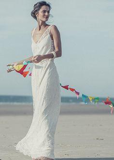 Beautiful Beachy Wedding Dress -- Robe Andersen Laure de Sagazan | lauredesagazan.fr