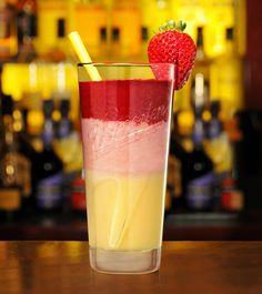 Ei,Ei,Ei...VERPOORTEN! Angesagte Cocktails, Smoothies und Longdrinks zur Erdbeerzeit! ... Strawberry-Shooter ... Cremig-fruchtiger Sommergenuss mit VERPOORTEN! eieiei.verpoorten.de ...