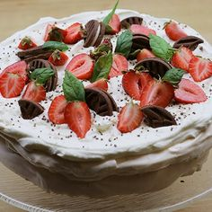 Marianne-marenkikakkua on kokeiltava - Fazer Cheesecake, Yummy Food, Eat, Yum Yum, Desserts, Cakes, Tailgate Desserts, Deserts, Delicious Food