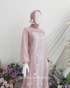 Muslim Fashion, Hijab Fashion, Fashion Dresses, Brocade Dresses, Lace Dress, Elegant Dresses, Beautiful Dresses, Muslimah Wedding Dress, Dress Brokat