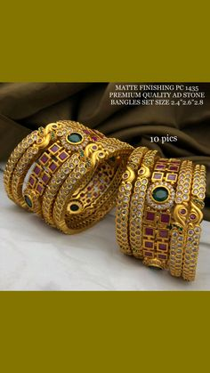 Antique Jewellery Designs, Fancy Jewellery, Pearl Necklace Designs, Jewelry Design Earrings, Real Gold Jewelry, Indian Jewelry, Earrings With Price, Gold Mangalsutra Designs, Gold Bangles Design