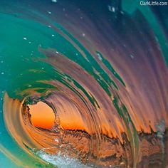 Photographing Waves from a Surfer's View--soooo cool! No Wave, Water Waves, Ocean Waves, Hawaii Waves, Sea And Ocean, Ocean Beach, Rainbow Beach, Beach Bath, Ocean Sunset