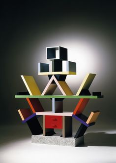 Carlton di Memphis. la libreria-divisorio da Ettore Sottsass, 1981