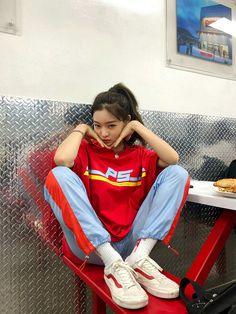 #ulzzang #ulzzanggirl #koreangirl #kstyle #kfashion #saeeun