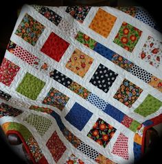 Mary Engelbreit Charm Square Quilt - white background, simple pattern and quilting - perfect! Quilt Baby, Colchas Quilt, Quilt Blocks, Patchwork Quilting, Scrappy Quilts, Easy Quilts, Kid Quilts, Modern Quilting, Charm Pack Quilts