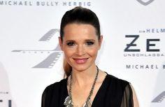 Karoline Herfurth hat verraten, wie es hinter den Kulissen von 'Fack Ju Göhte 2' zuging.Am Montagabend (7. September) fand die Weltpremiere von 'Fa...