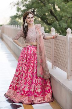 All Ethnic Customization with Hand Embroidery & beautiful Zardosi Art by Expert & Experienced Artist That reflect in Blouse , Lehenga & Sarees Designer creativity that will sunshine You & your Party Worldwide Delivery. Winter Wedding Outfits, Indian Wedding Outfits, Indian Outfits, Indian Bridal Lehenga, Indian Bridal Fashion, Dusty Pink Outfits, Simple Lehenga, Bridesmaid Outfit, Lehenga Designs