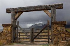 Driveway Entrance Landscaping, Driveway Gate, Fence Gate, Fences, Front Gates, Entry Gates, Farm Entrance Gates, Colorado Ranch, Montana Ranch