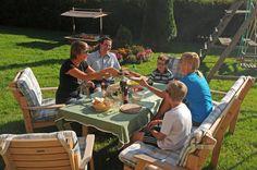 Wir grillen gern gemeinsam mit der Familie oder den Freunden im Garten.
