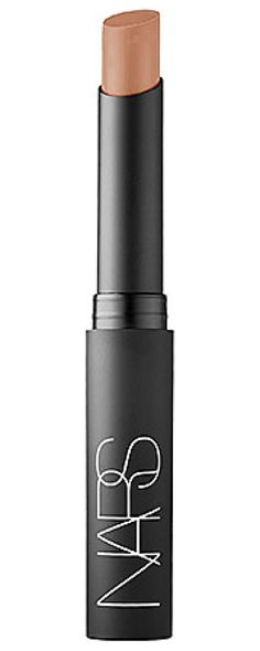 An ultra-matte, super-rich lipstick with the supple feel of a hydrating lip treatment.