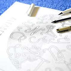 Zajawka kolejnego postera z serii literowej wygląda tak :) Późno dziś wstałam, zimno na dworzu jakoś , a praca nie zająć, nie uciekła ;) ____ New poster with more letters looks like that :) ____ #colorbook #lamy #ink #graphic #illustration #agakubish #poster #walldecor #art #doodle #sketch #drawing #dots #dotwork #alfabet #font #monogram #typographic #typografika