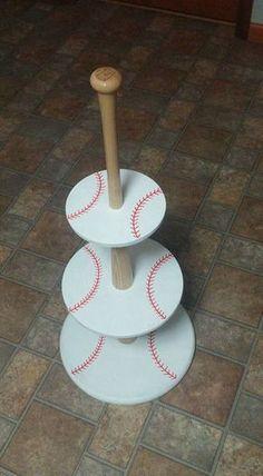 Easy Tutorial for a Baseball-themed Cupcake Holder. More #boyfriendbirthdaygifts