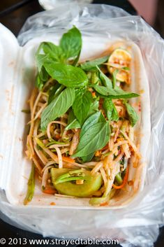 Heading to Siam Reap, Cambodia. You must try these fantastic Cambodian MUST eats while staying in Siem Reap. Featuring street food and what markets to eat at