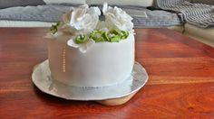 simple elegant little cake