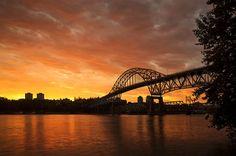 El puente Pattullo sobre el rio Fraser, Vancouver. Kevin van der Leek