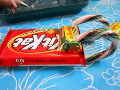 Last week at Bring 'n Brag, one of the ladies showed us how she made candy sleighs for Christmas gifts. update! The lady who showed us the s...