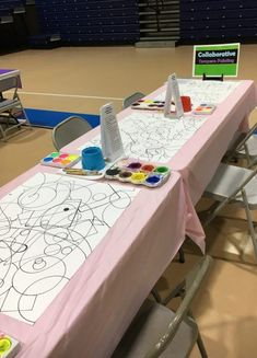This is a great idea for the Art Dept. to set up when we have Open Houses for parents at school! Art Club/NAHS students could supervise and get hours or merits too. art education Art Festival and Family Art Night Kunst Party, Arte Elemental, Art Party, Reggio Emilia, Art Classroom, Flipped Classroom, Classroom Themes, Art School, High School