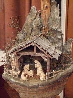 Nativity Stable, Christmas Nativity Scene, Nativity Crafts, Christmas Scenes, Christmas Tree Ornaments, Christmas Crafts, Christmas Decorations, Christmas Cave, Christmas Crib Ideas