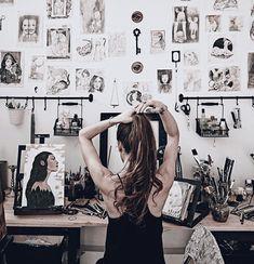 Art history major, art studios, book aesthetic, different kinds of art, art Avatar Manga, Tattoo Studio, Shotting Photo, Artist Aesthetic, Book Aesthetic, Cool Office Space, Dream Studio, Art Hoe, Grafik Design