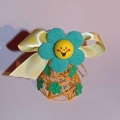 Veselý velikonoční zvoneček Květinkový zvoneček je vyrobený z bavlnky. Vysoký cca. i s květinou 6-7 cm.