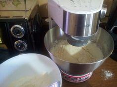 Kenwood Cooking, Cooking Chef, Kitchen Aid Mixer, Biscotti, Kitchenaid, Food, Video, Breads, Cupcake