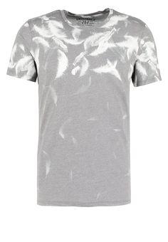 fb089ac9 Jack & Jones JORFEATHERLESS SLIM FIT - Print T-shirt - black for £17.00