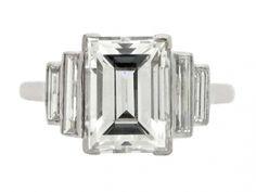 Jewelry Diamond : Art Deco diamond ring, circa Set to centre with a rectangle step cut diamo. - Buy Me Diamond Bijoux Art Deco, Art Deco Jewelry, Jewelry Rings, Fine Jewelry, Jewelry Design, Jewellery Box, Jewellery Shops, Jewelry Stores, Diamond Jewellery